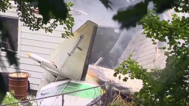 Avión cae sobre un vecindario de Connecticut y deja cuatro muertos