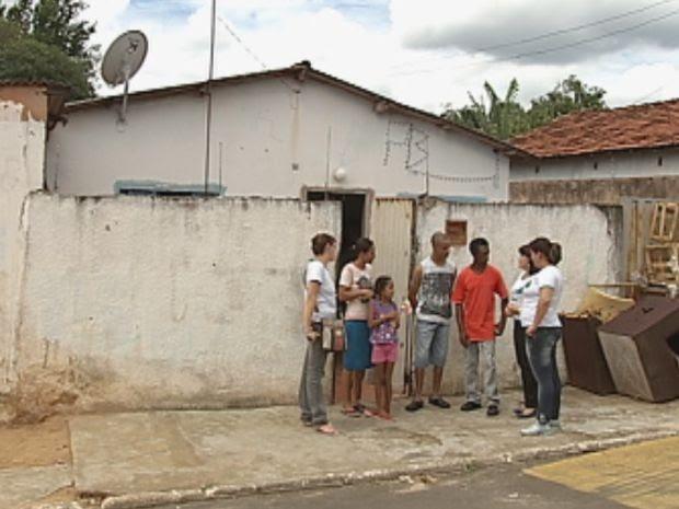Casa da família antes da reforma feita pelos voluntários (Foto: reprodução/TV Tem)