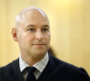 <p>KRITISK: Advokat Vidar Lind Iversen forsvarer en norsk-eritreisk mann (28) i straffesaken.<br/></p>