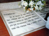 Lápida de la Tumba de Alejandrina