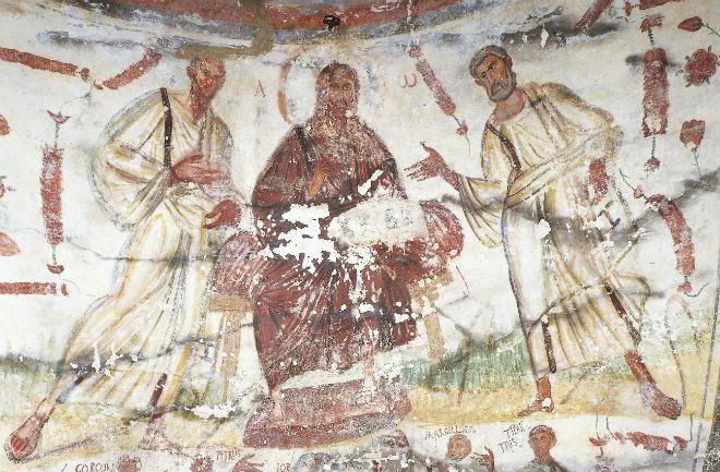 Cristo rappresentato con capelli lunghi e barba (tale iconografia si sarebbe poi imposta a partire da ques'epoca), affiancato da due apostoli in toga, inizi IV sec..