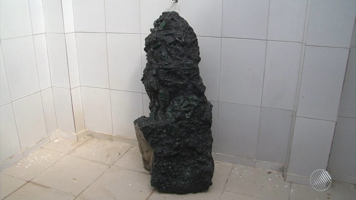 Resultado de imagem para esmeralda gigante