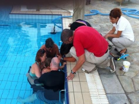 Σαντορίνη: 4χρονο κορίτσι `σφήνωσε` σε σιφόνι πισίνας για 2,5 ώρες! Δείτε φωτό
