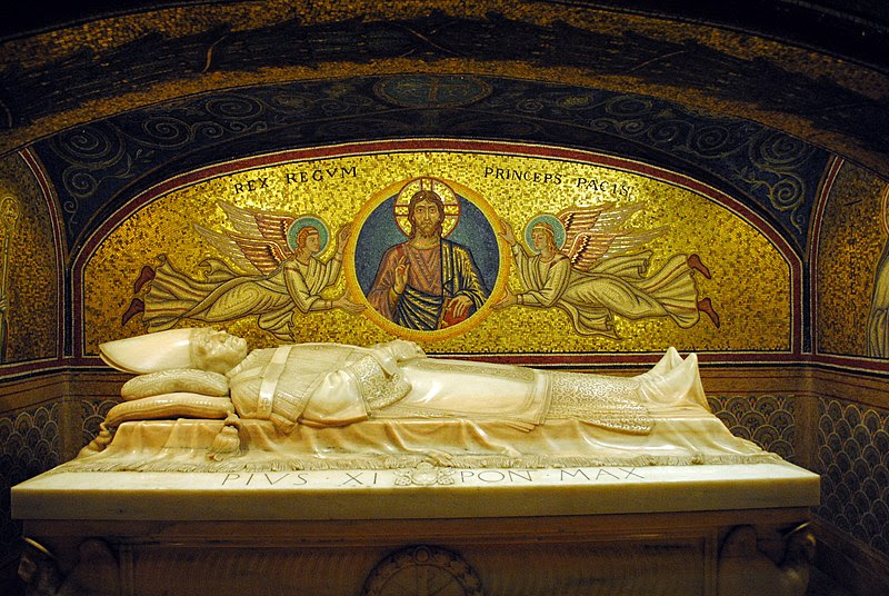 Fil: PiusXItomb2.jpg