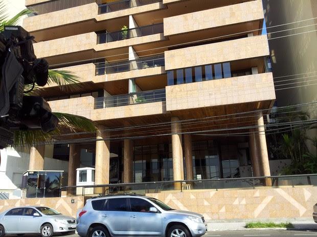 Prédio onde mora o presidente da Maranata. (Foto: Leandro Nossa/ G1ES)