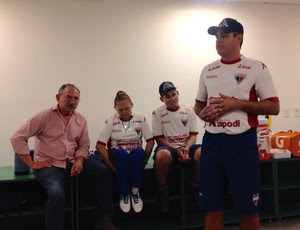 Marcelo Chamusca volta ao Fortaleza e treina elenco na Arena Castelão (Foto: Nodge Nogueira/Divulgação)