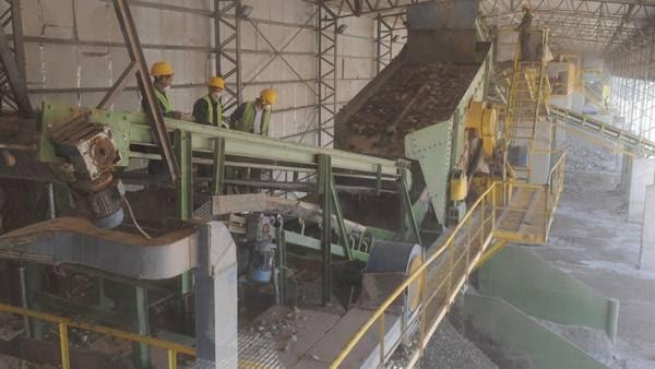 La planta ya procesaba escombros y ahora permitirá tratar los residuos secos que recolectan las Cooperativas de cartoneros. Foto: Diego Díaz