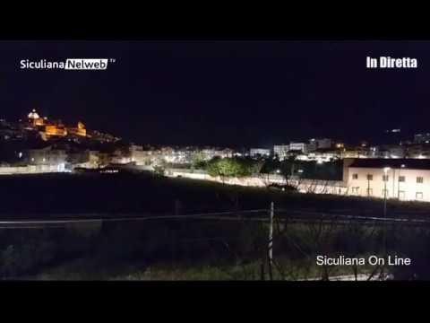 VIDEO | Trasferiti a Villa Sikania i 32 migranti, la protesta dei Siculianesi
