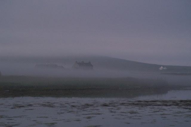 File:Daala mist, Baltasound - geograph.org.uk - 1371181.jpg