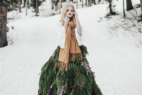 feeling festive     wear  christmas tree