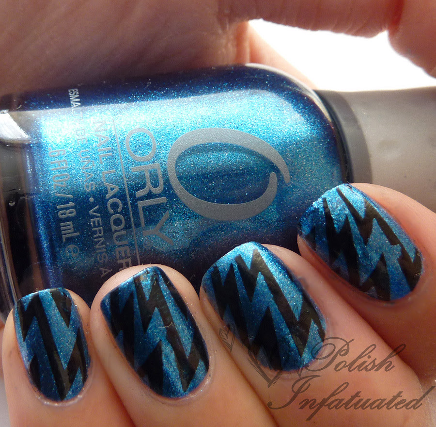 blue and black lightning bolts3