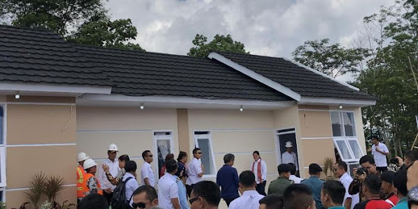 Jokowi Bangun 500 Rumah untuk Pemangkas Rambut Asli Garut. Garut - Presiden  Joko Widodo ... 33c0b9511a
