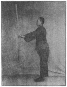 《昆吾劍譜》 李凌霄 (1935) - posture 72
