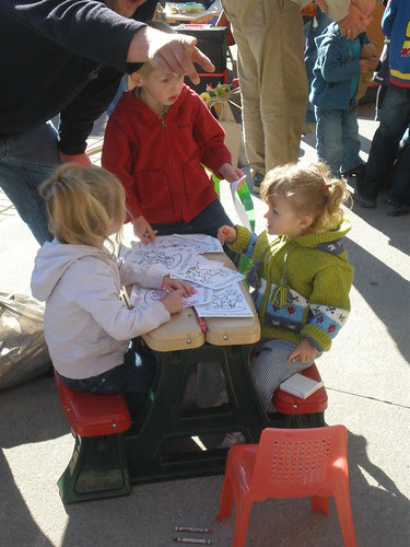 Colouring @ the farmers market