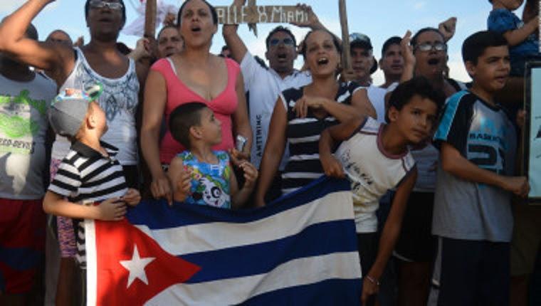 """Gobierno de Cuba celebra fin política migratoria de """"pies secos, pies mojados"""""""