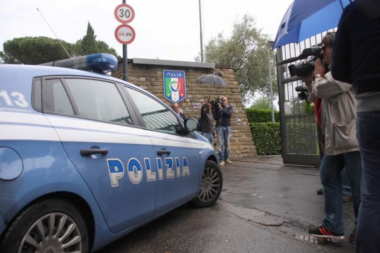 I poliziotti che pagano la spesa al ladro