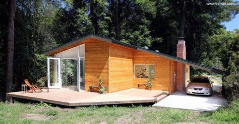 casas de madera del pasado presente  futuro