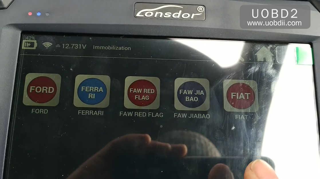 lonsdor-k518ise-key-programming-on-a-ford-focus-12