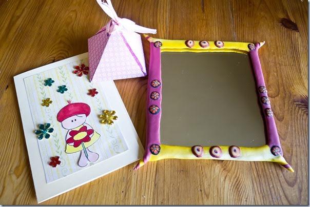 voščilnica, škatlica in ogledalo