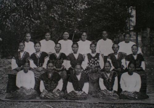GROUP OF KAREN LADIES OF BASSEIN