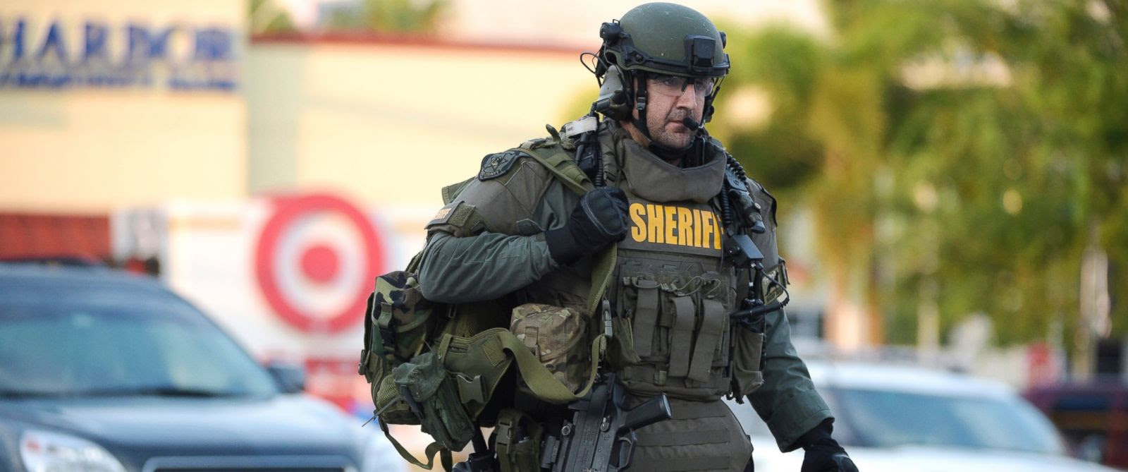 http://a.abcnews.com/images/US/AP_orlando_swat_02_jef_160612_12x5_1600.jpg