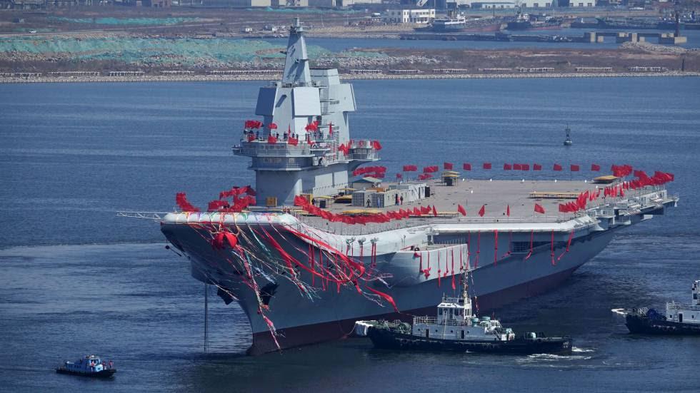 El segundo portaaviones chino, en la ceremonia de botadura.