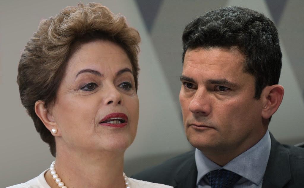 """DILMA FICOU CARA A CARA COM MORO MAS SAIU CALADINHA DA """"sede da Justiça Federal"""""""