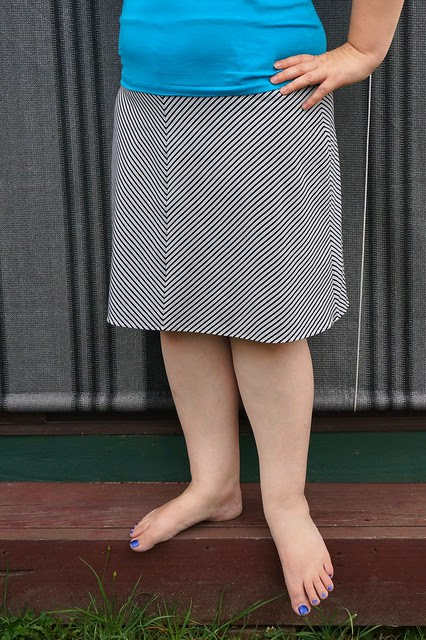 Stretchy Chevron Striped Skirt