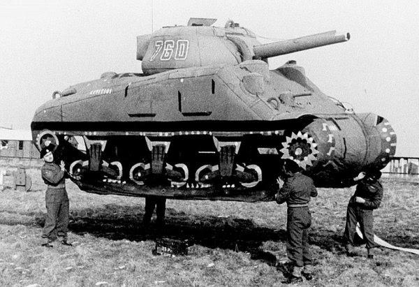 segunda guerra tanque inflável