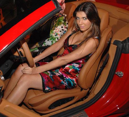 Mulher Ferrari