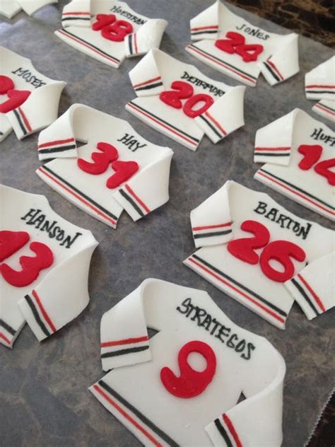 Fondant Ice Hockey cupcake toppers   My creations