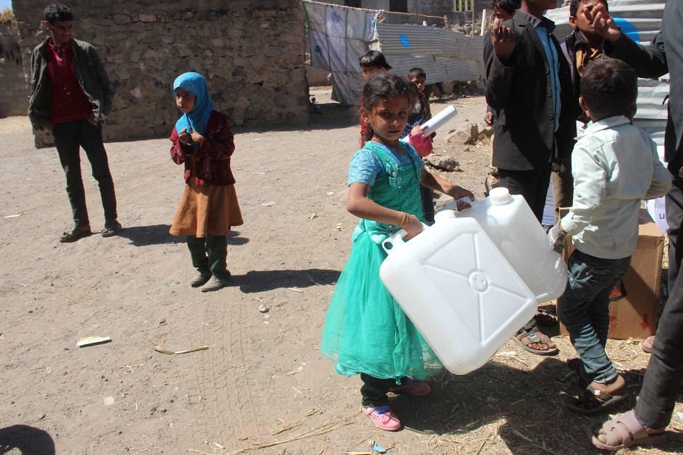 Unicef distribuye suministros de agua y saneamiento.