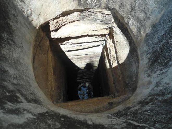 வந்தாறு மூலையில் இருக்கும் இந்த கிணறு இரண்டாயிரம் ஆண்டு பழமையானது என்கிறார் பத்மநாதன்