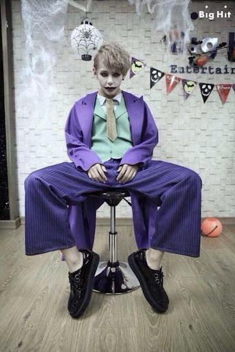 2 lần hóa thân thành Joker của V (BTS): Đẹp trai, đáng yêu thế này thì ai cũng xin làm Harley Quinn mất!