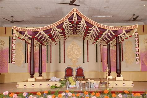 Decoration for Wedding Stage in Coimbatore by Nilla Blooms