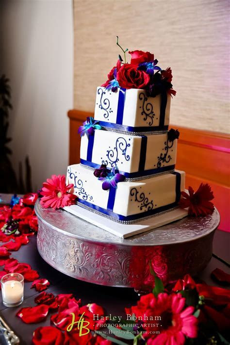 Best 25  White square wedding cakes ideas on Pinterest