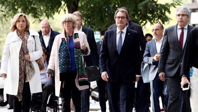 Joana Ortega, Irene Rigau, Artur Mas i Francesc Homs, aquest dimecres a Madrid, arribant al Tribunal de Comptes (EFE)
