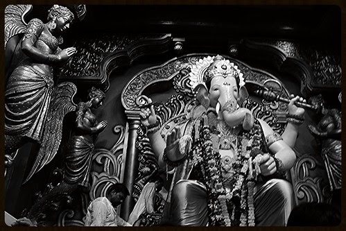 About Lalbagh Chya Raja by firoze shakir photographerno1
