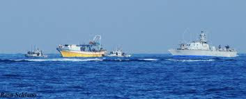 l'intervento della marina israeliana contro i pescatori di Gaza