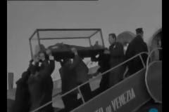 Αποτέλεσμα εικόνας για Σπάνιο βίντεο - Το Λείψανο του Αγίου Σάββα επιστρέφει στη Μονή του