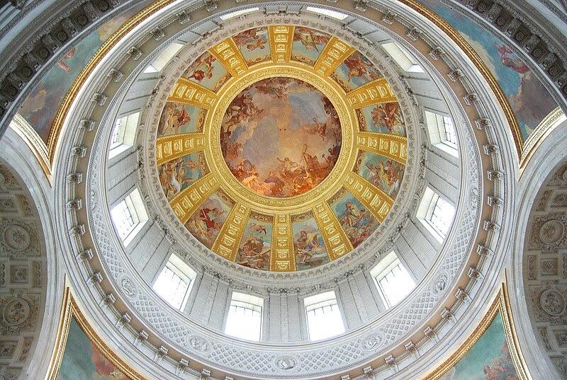 Archivo: Les Invalides - La cúpula sobre la tumba de Napoleon.jpg