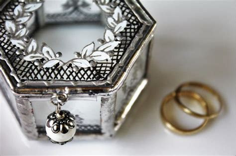1000  ideas about Wedding Ring Box on Pinterest   Ring