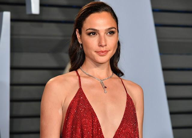 Estrela de 'Mulher Maravilha' defende atriz israelense criticada por Netanyahu