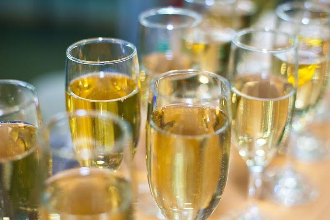 ВРоссию возобновятся поставки шампанского изФранции