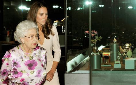 Pictures of Kate Middleton and Queen Elizabeth II Viewing