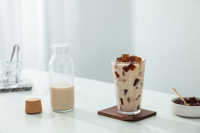 Yuk, Bikin Kopi Susu 1 Liter Jadi Minuman A la Kafe! oleh - resepmasakmurah.com