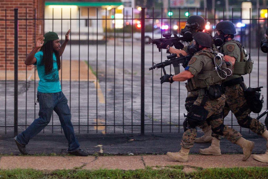 http://kalamu.com/neogriot/wp-content/uploads/2014/08/FergusonCops-03.jpg