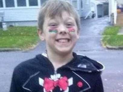 Funcionários da escola onde Tyler estudava o chamaram de herói depois de saber do ocorrido, já que salvou a vida de seis pessoas, mesmo que isso tenha custado a sua própria vida Foto: Buzz Feed / Reprodução