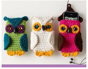 Owl Cell Phone Cozy and other great last minute crochet gift ideas - all take less than 200 yds of yarn! Get the list at mooglyblog.com