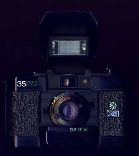 Hanimex 35 Micro Flash